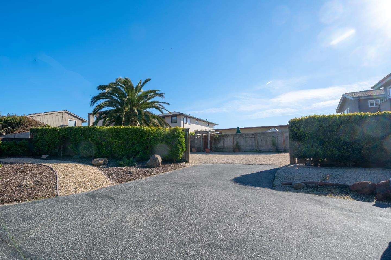 90 Geoffroy DR, SANTA CRUZ, California 95062, 4 Bedrooms Bedrooms, ,3 BathroomsBathrooms,Residential,For Sale,90 Geoffroy DR,ML81743773