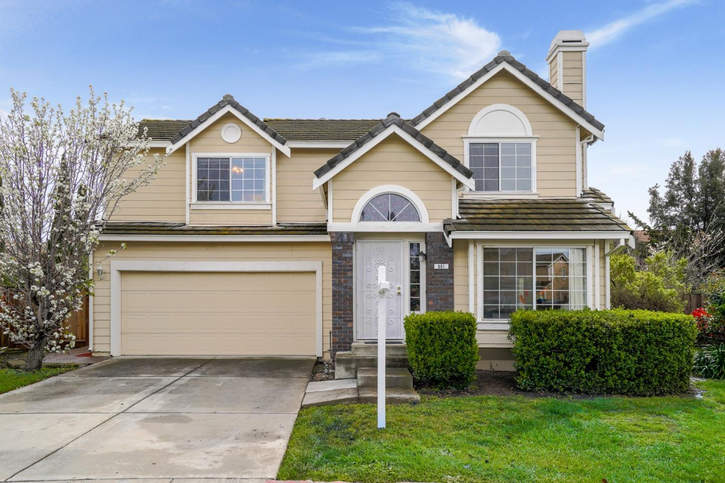 Detail Gallery Image 1 of 1 For 891 Coventry Cir, Milpitas, CA, 95035 - 4 Beds | 2/1 Baths