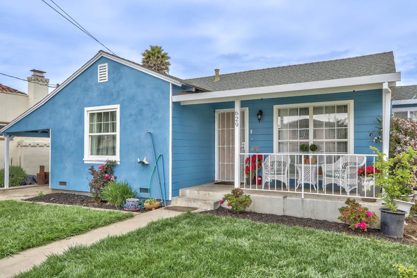 Detail Gallery Image 1 of 25 For 629 California St, Watsonville, CA, 95076 - 3 Beds | 1 Baths