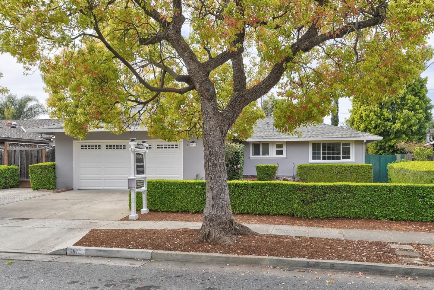 Detail Gallery Image 1 of 1 For 1573 Dominion Ave, Sunnyvale, CA, 94087 - 3 Beds | 2 Baths