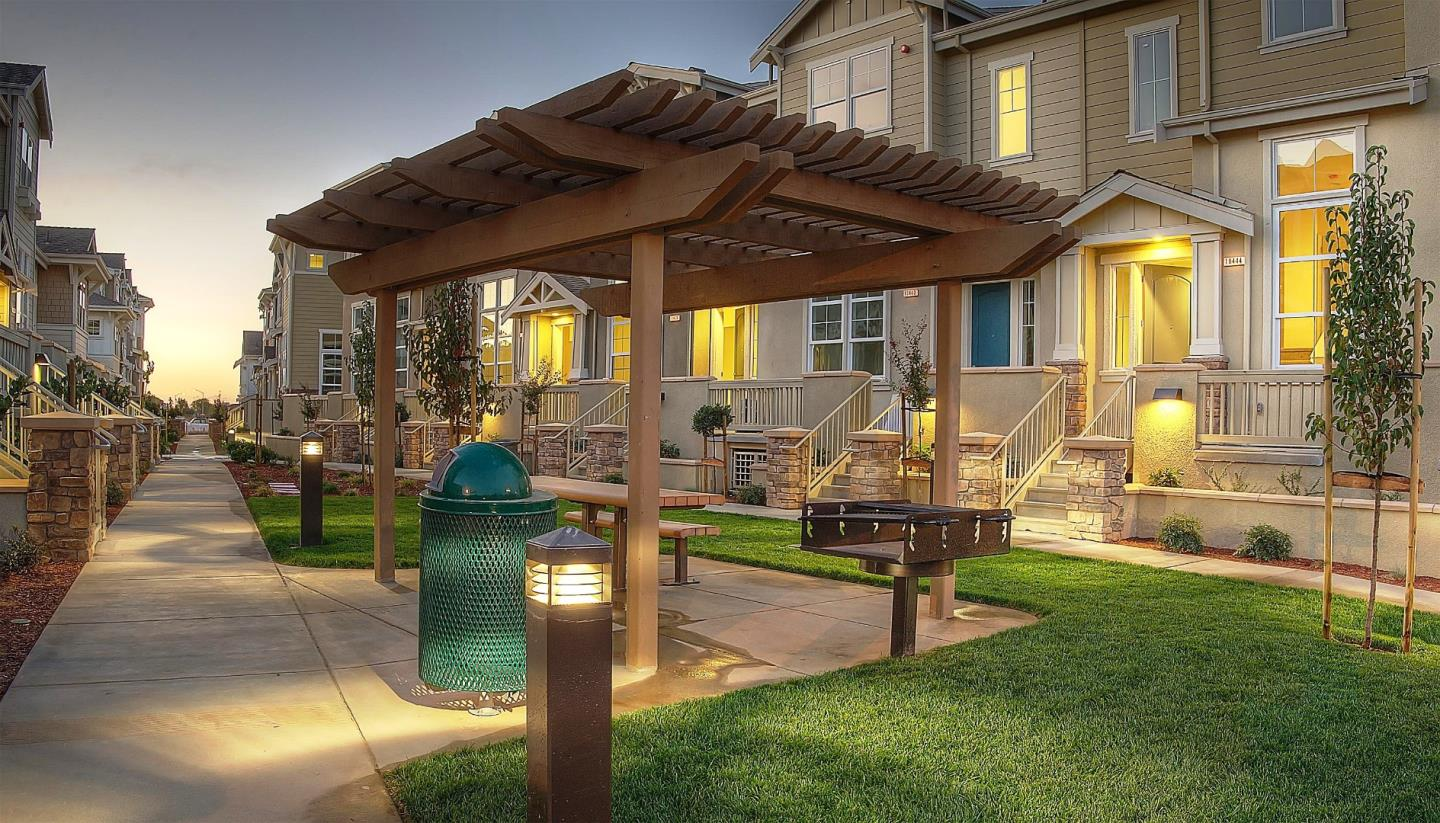 Detail Gallery Image 1 of 1 For 18408 Jade Ln, Morgan Hill, CA, 95037 - 1 Beds | 1/1 Baths