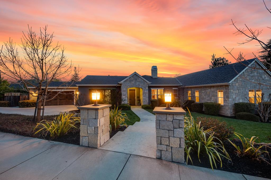 Detail Gallery Image 1 of 1 For 361 Old Blossom Hill Rd, Los Gatos, CA 95032 - 5 Beds | 4/1 Baths