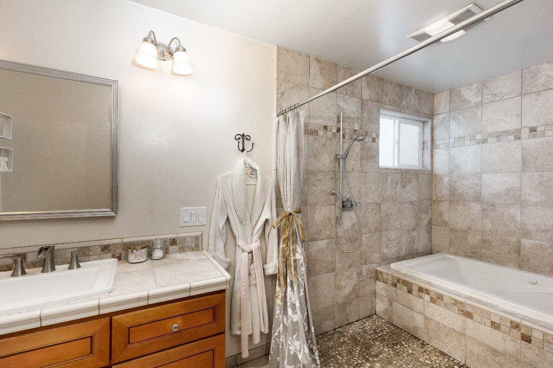 100 Smith Rd Watsonville Ca 95076 2 Beds 1 Baths