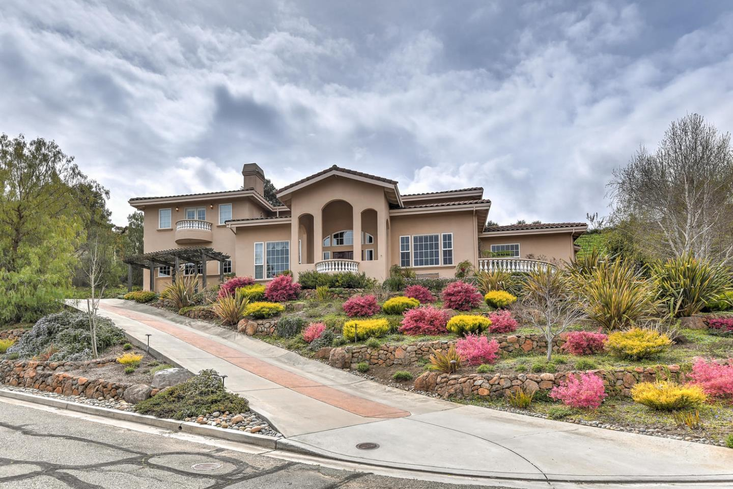 Detail Gallery Image 1 of 1 For 21952 Villa Oaks Ln, Saratoga, CA 95070 - 4 Beds | 4/1 Baths