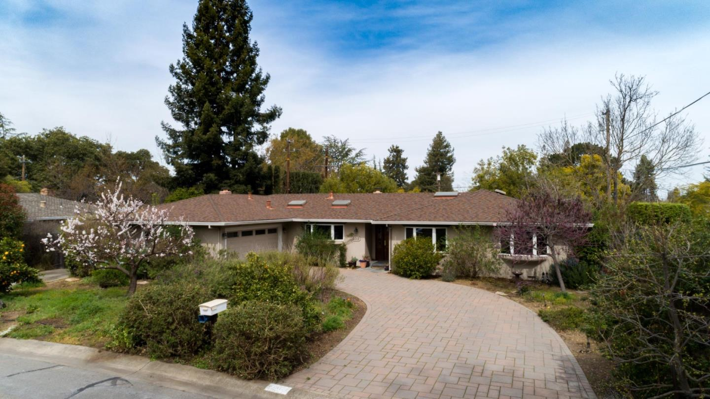 Detail Gallery Image 1 of 1 For 2012 Louise Ln, Los Altos, CA 94024 - 4 Beds | 2/1 Baths