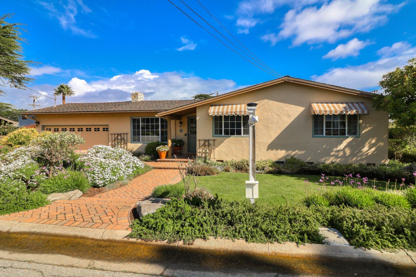 Detail Gallery Image 1 of 1 For 1130 Balboa Ave, Pacific Grove,  CA 93950 - 3 Beds | 1 Baths