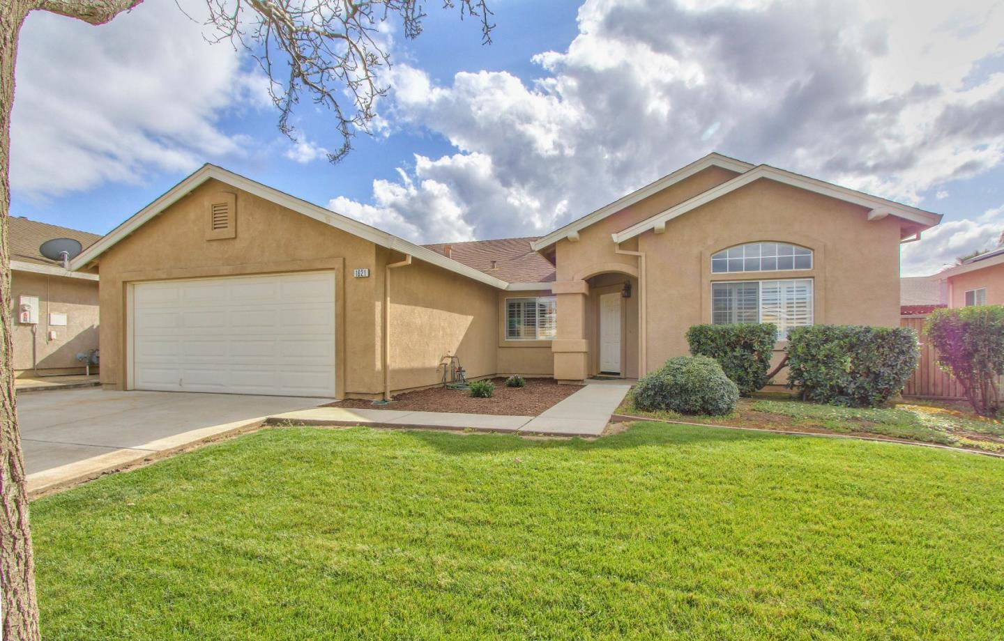 Detail Gallery Image 1 of 1 For 1621 Spumante Way, Gonzales,  CA 93926 - 4 Beds   2 Baths