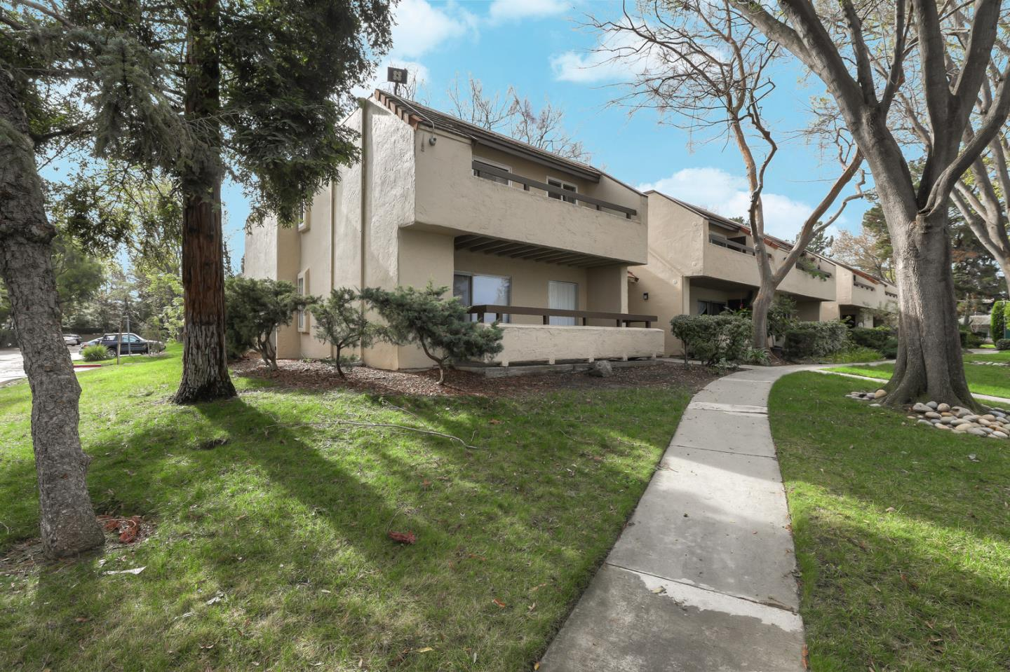 Detail Gallery Image 1 of 1 For 276 Tradewinds Dr #2, San Jose, CA 95123 - 2 Beds   2 Baths