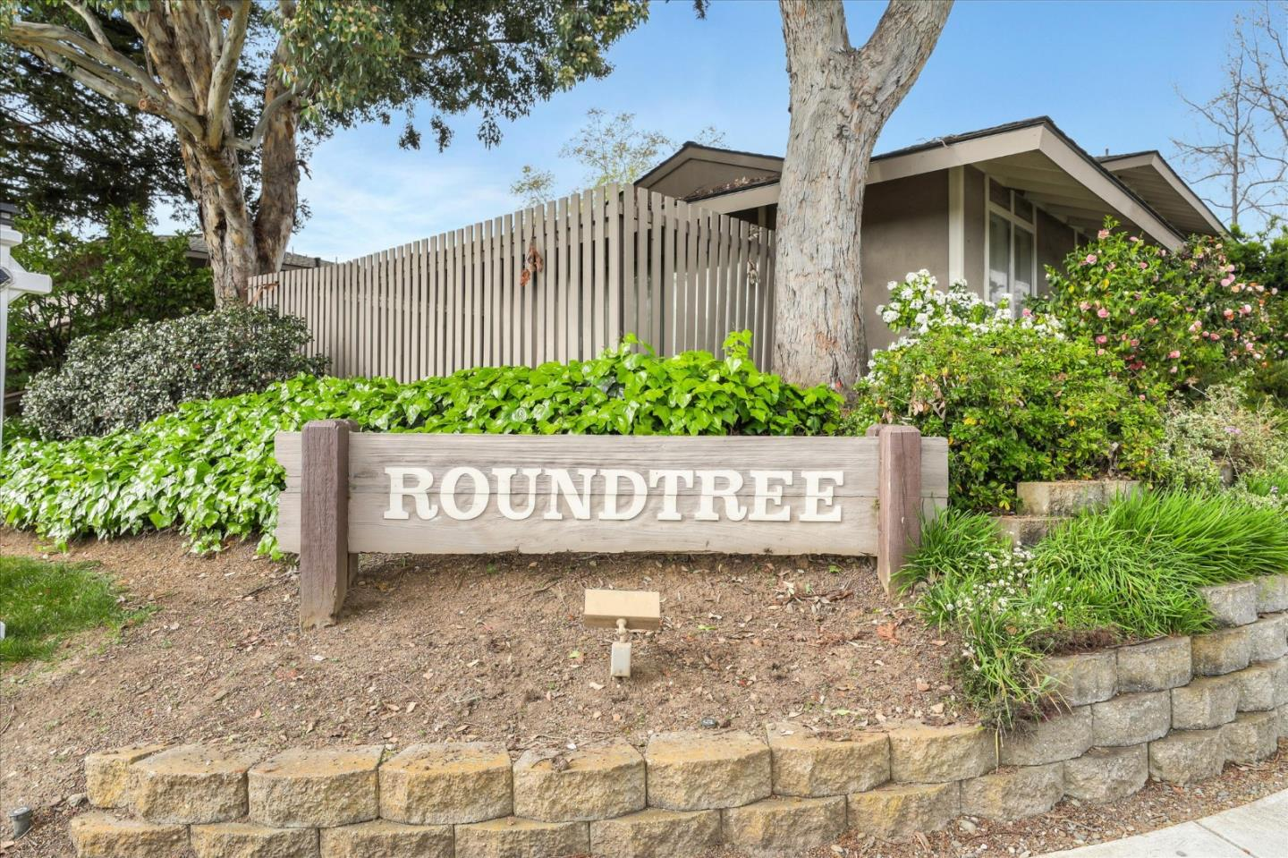 Detail Gallery Image 1 of 1 For 10588 White Fir Ct, Cupertino, CA 95014 - 2 Beds | 1/1 Baths