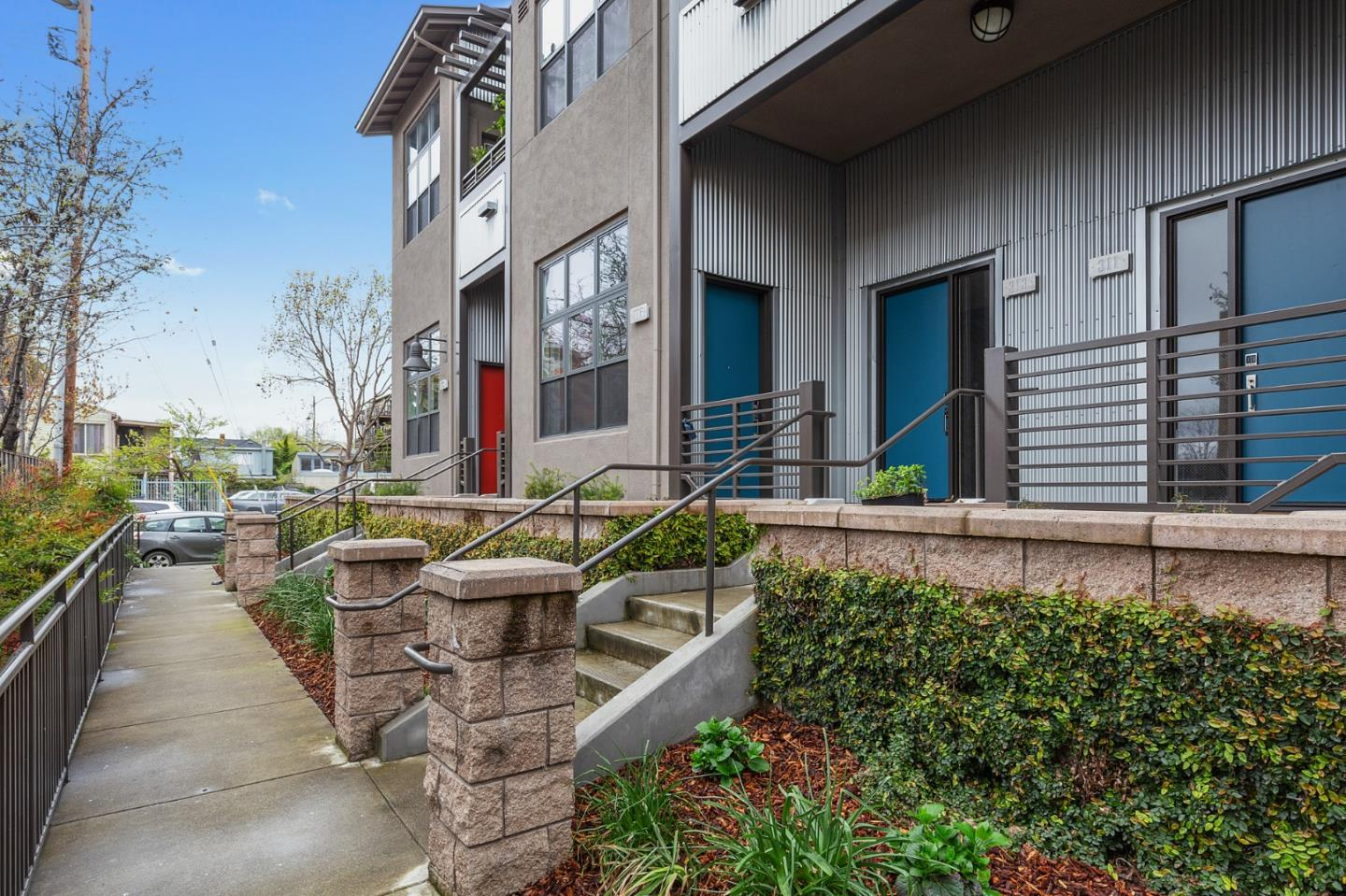 Detail Gallery Image 1 of 1 For 315 Bowsman Ct #150, Oakland, CA, 94601 - 3 Beds | 2/1 Baths
