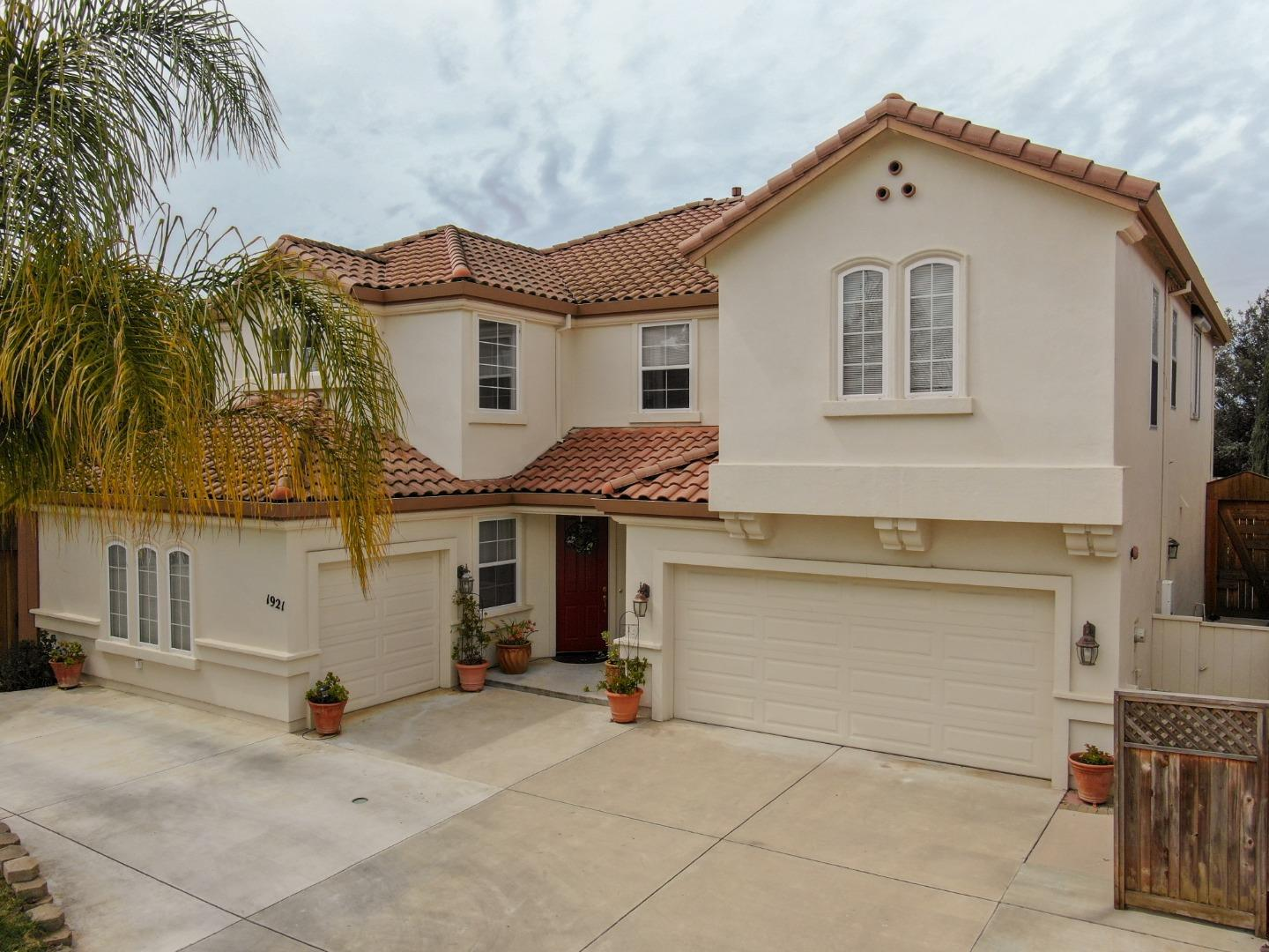 Detail Gallery Image 1 of 1 For 1921 Chelsea Ct, Salinas, CA 93906 - 6 Beds | 3/1 Baths