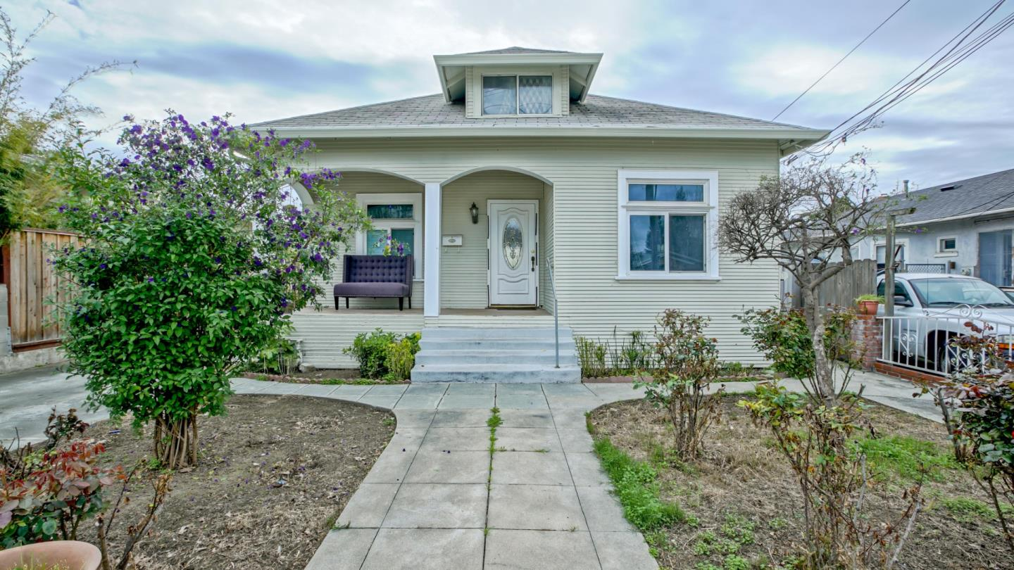 Detail Gallery Image 1 of 1 For 473 N 13th St, San Jose, CA 95112 - 3 Beds | 2 Baths