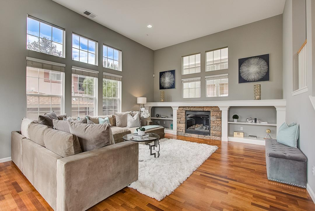 Detail Gallery Image 1 of 1 For 108 Maple Ln, East Palo Alto, CA, 94303 - 4 Beds | 2/1 Baths
