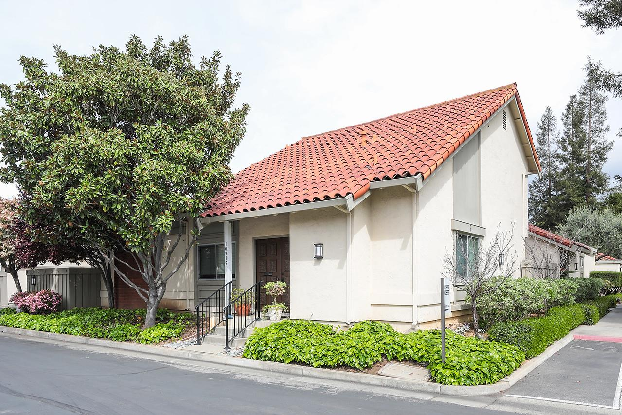 Detail Gallery Image 1 of 39 For 10912 Sweet Oak St, Cupertino, CA, 95014 - 3 Beds | 2/1 Baths