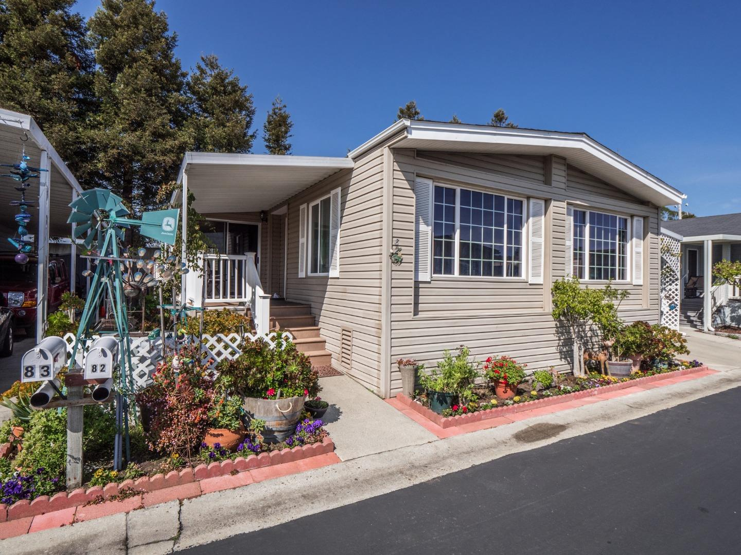 Detail Gallery Image 1 of 51 For 4425 Clares St #82, Capitola, CA 95010 - 2 Beds | 2 Baths