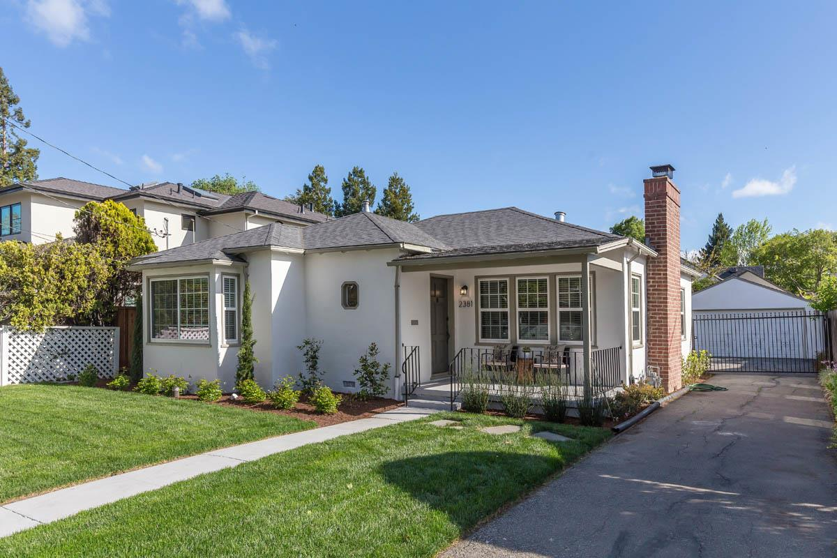 Detail Gallery Image 1 of 1 For 2381 Emerson St, Palo Alto, CA 94301 - 3 Beds | 1 Baths