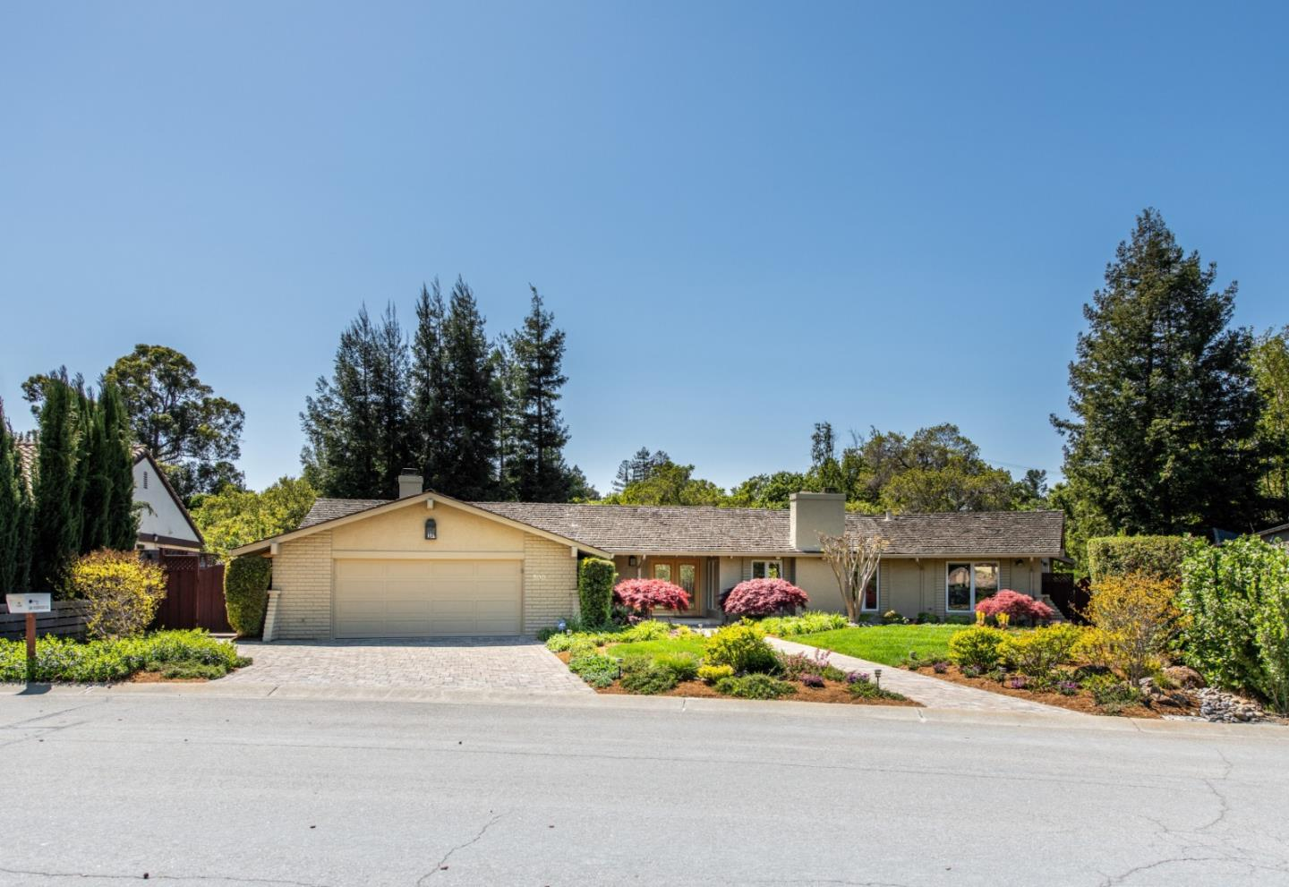 Detail Gallery Image 1 of 34 For 500 Torwood Ln, Los Altos, CA, 94022 - 4 Beds | 2/1 Baths