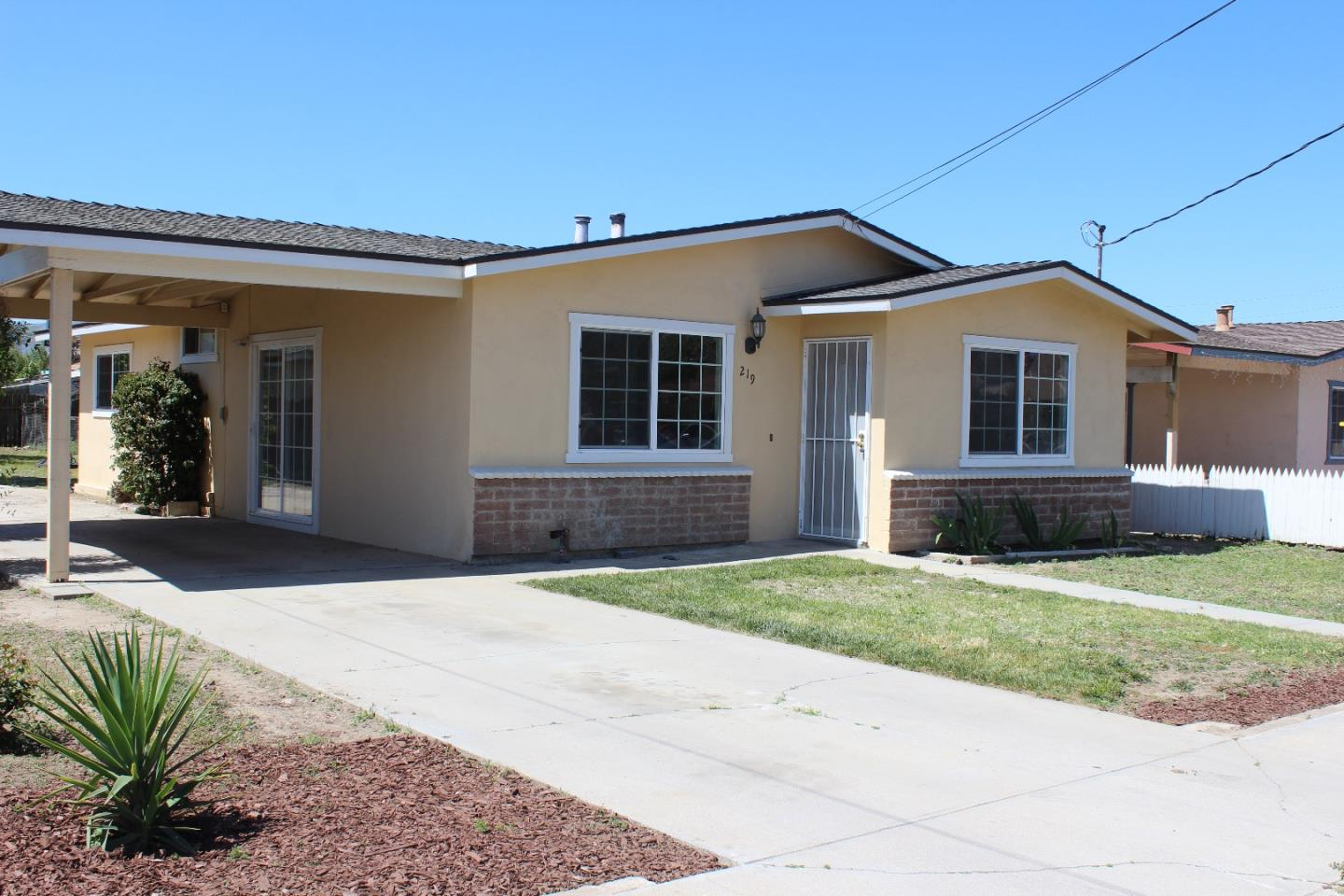Detail Gallery Image 1 of 1 For 219 5th St, Greenfield, CA 93927 - 3 Beds   2 Baths