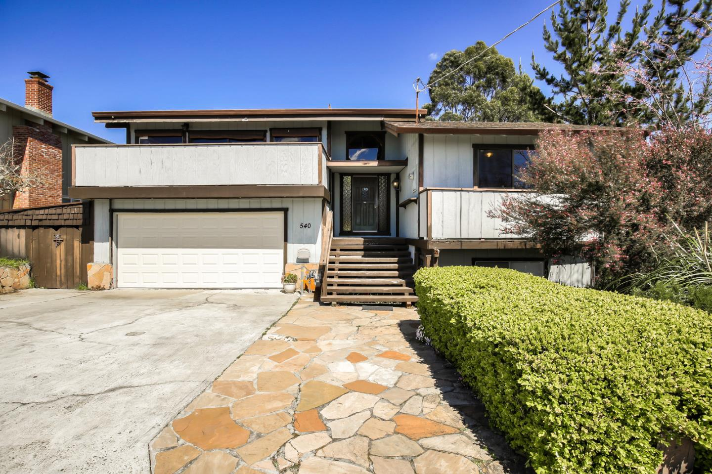 Detail Gallery Image 1 of 11 For 540 Cuesta Dr, Aptos, CA, 95003 - 3 Beds | 2 Baths