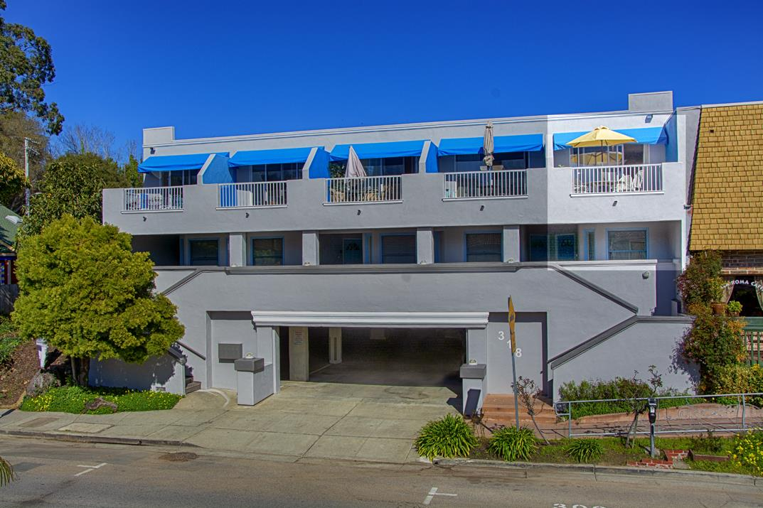 Detail Gallery Image 1 of 21 For 318 Capitola Ave #5, Capitola, CA, 95010 - 2 Beds | 1/1 Baths