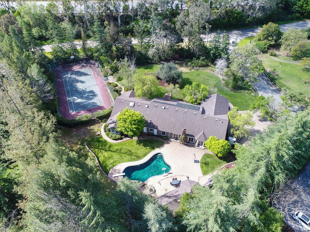 15411 Vista Serena, LOS ALTOS HILLS, California