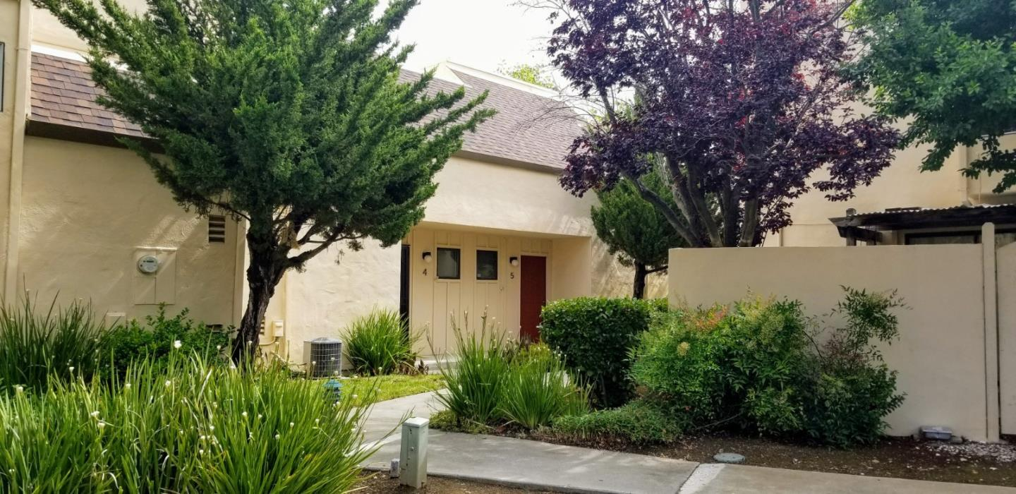 Detail Gallery Image 1 of 1 For 8170 Westwood Dr #5, Gilroy, CA 95020 - 2 Beds | 2/1 Baths