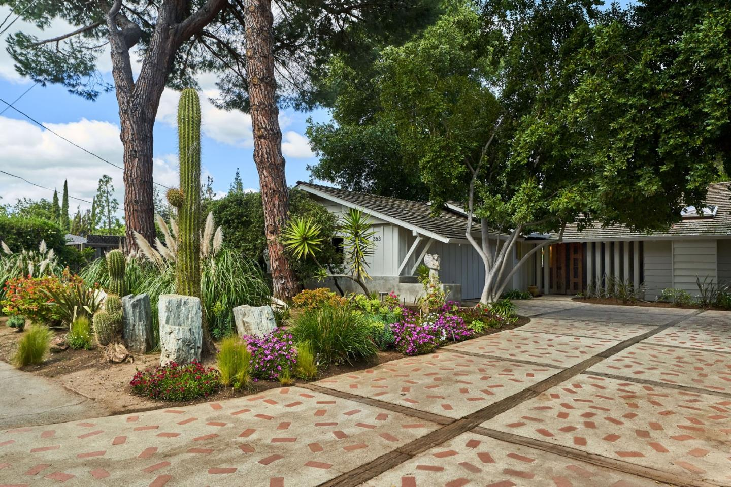 Detail Gallery Image 1 of 1 For 363 W Edith Ave, Los Altos, CA 94022 - 3 Beds | 2/1 Baths