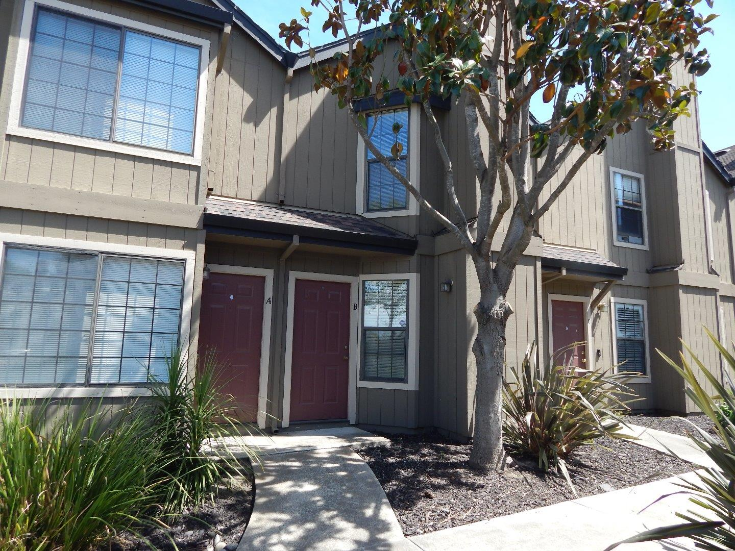 Detail Gallery Image 1 of 1 For 241 Gibson Dr B-46, Hollister, CA 95023 - 2 Beds | 1/1 Baths