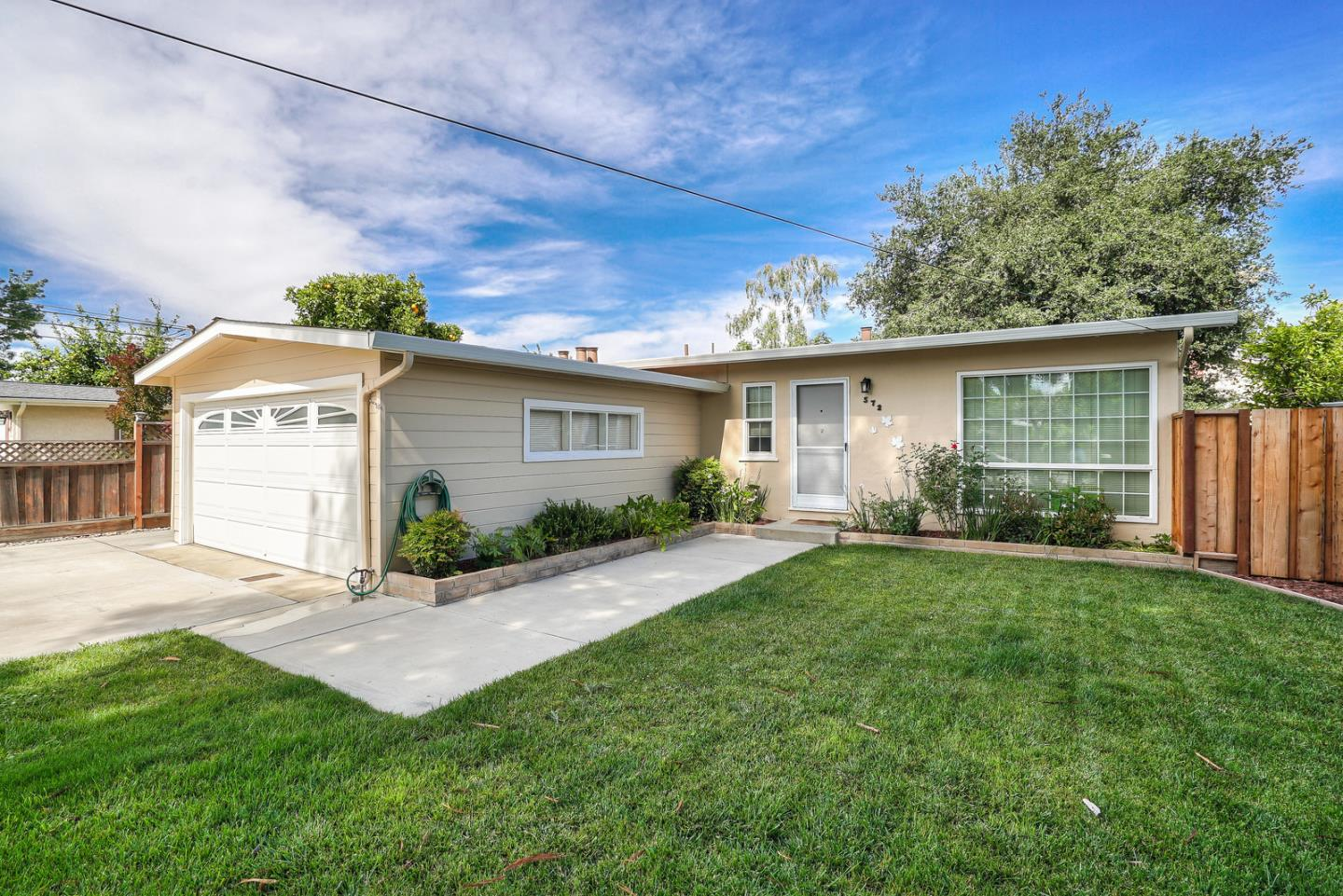 Detail Gallery Image 1 of 34 For 572 Weston Dr, Campbell, CA, 95008 - 3 Beds | 1 Baths