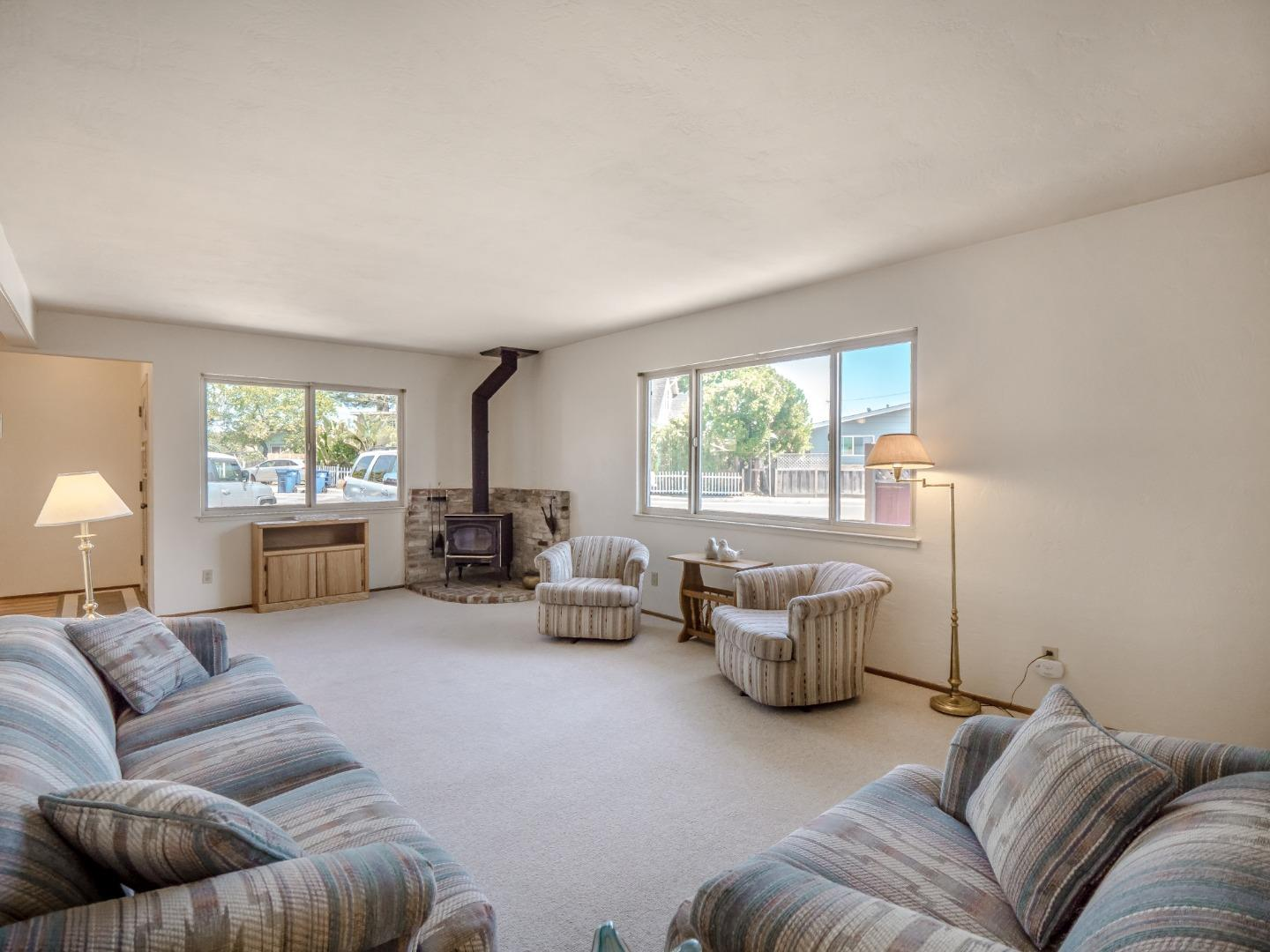 Detail Gallery Image 1 of 1 For 2011 7th Ave, Santa Cruz, CA 95062 - 2 Beds | 1 Baths