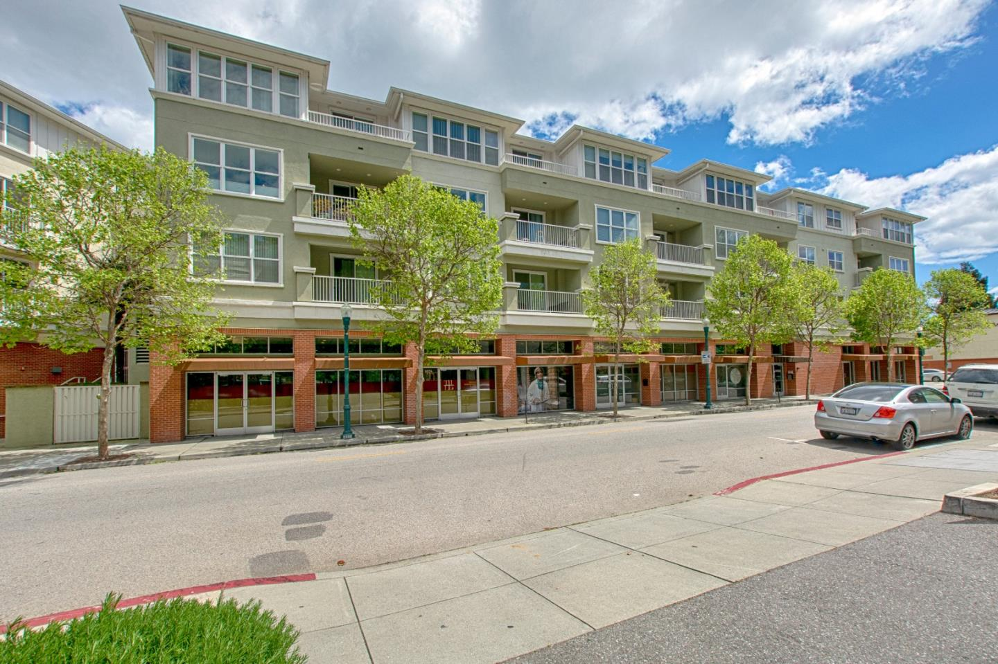 Bright, move-in ready condo located in the heart of downtown Santa Cruz!  With high ceilings, dual paned windows, bamboo flooring, and custom door screens, one can enjoy the fresh air.  The kitchen shines with stainless appliances, pantry, and granite kitchen countertop with breakfast bar. This is easy living, with elevator access, in-unit laundry, community pool and gym, and secured parking. Location can't be beat for walking everywhere downtown! Great commute location as well as quick bike ride away to the sunny, Santa Cruz beaches!