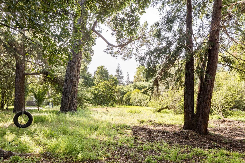 226 Park LN Atherton, CA 94027