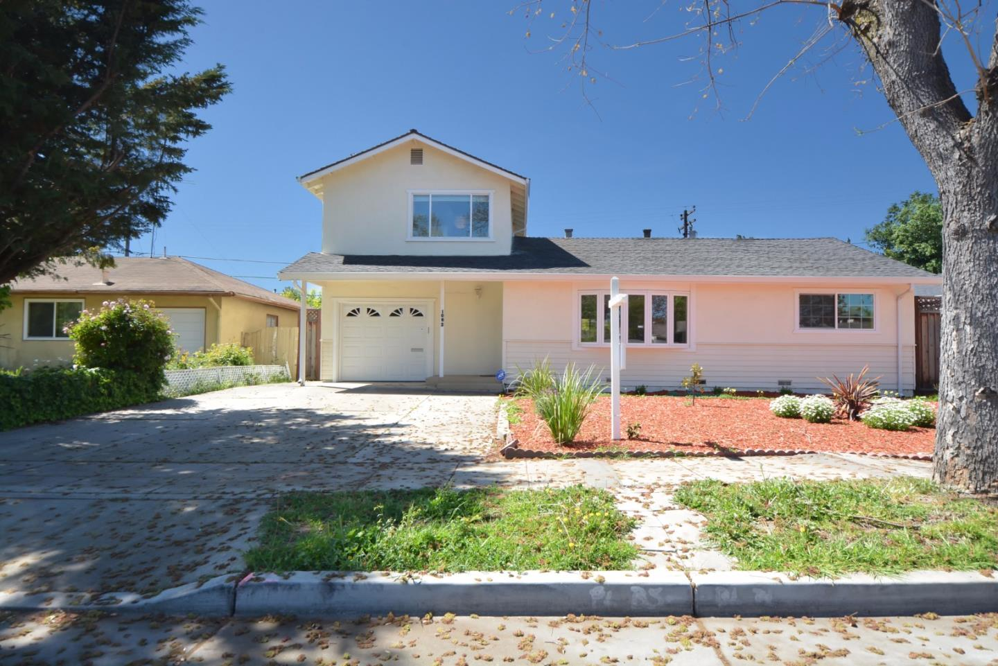 Detail Gallery Image 1 of 1 For 1062 W Knickerbocker Dr, Sunnyvale, CA 94087 - 3 Beds | 2 Baths
