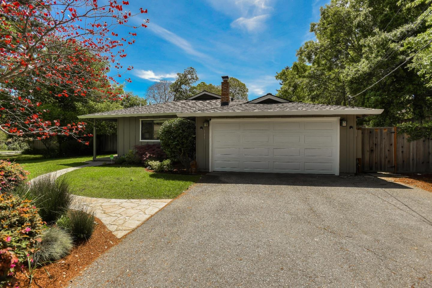 391 Canyon Dr, Portola Valley, CA 94028 - 4 Beds   2 Baths (Sold