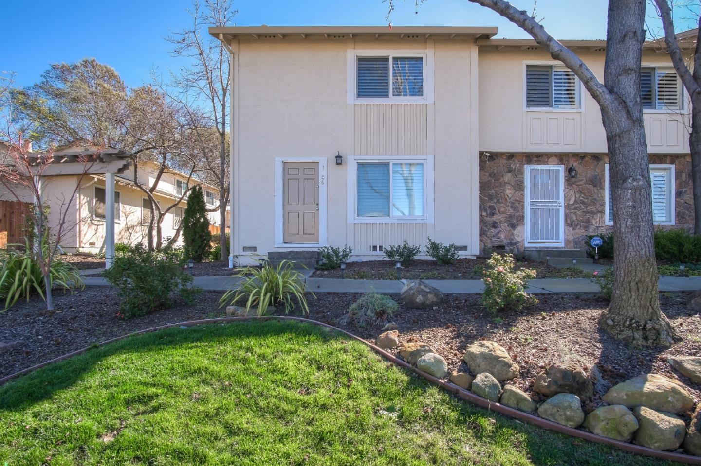 Detail Gallery Image 1 of 1 For 3806 Pimlico Dr, Pleasanton,  CA 94588 - 2 Beds   1/1 Baths