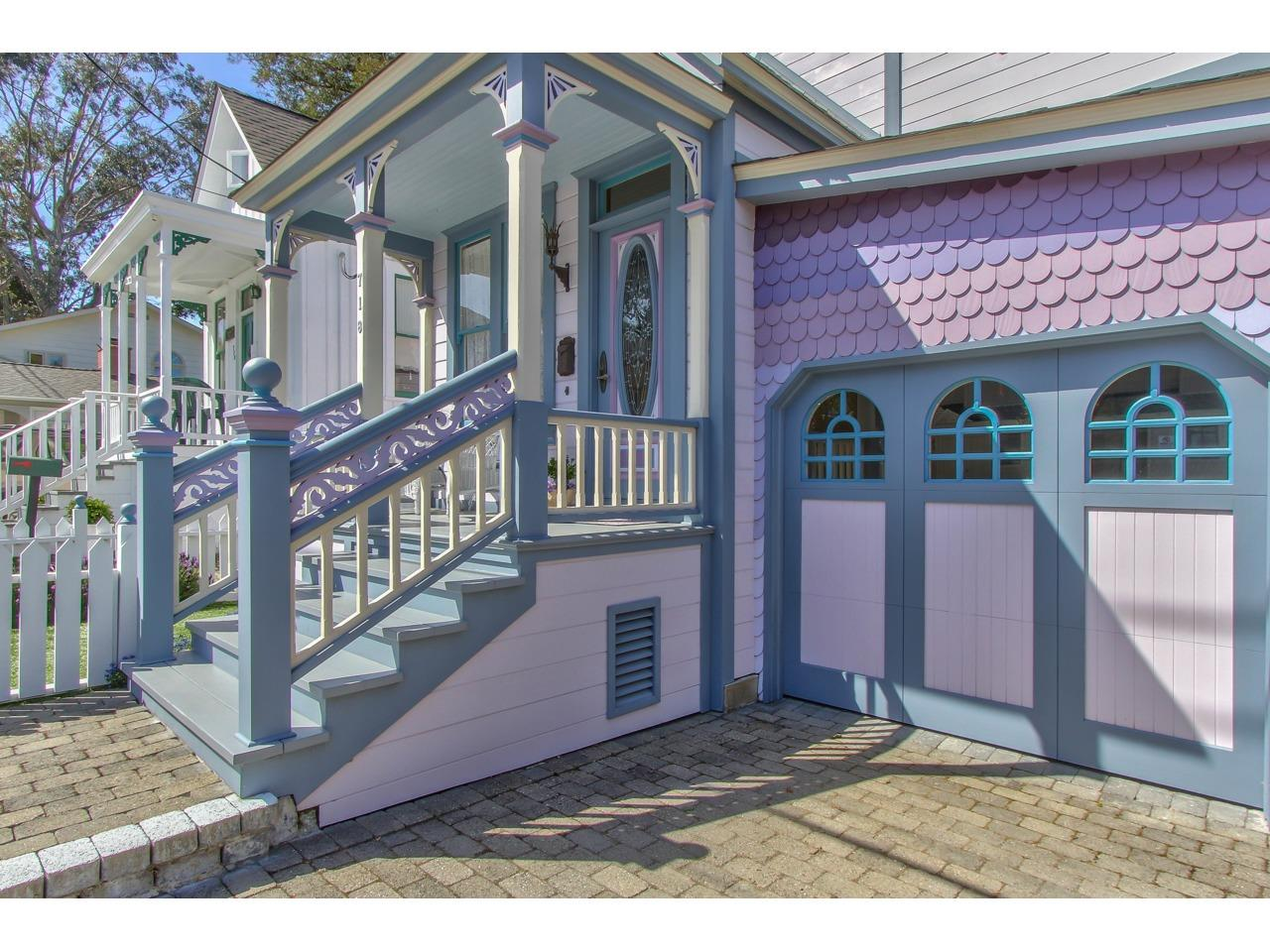 Detail Gallery Image 1 of 49 For 718 Grove St, Pacific Grove, CA, 93950 - 3 Beds | 2 Baths