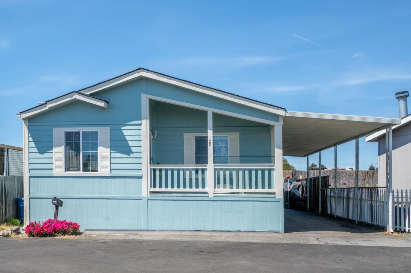 Detail Gallery Image 1 of 1 For 1255 38th Ave #108,  Santa Cruz,  CA 95062 - 3 Beds | 2 Baths