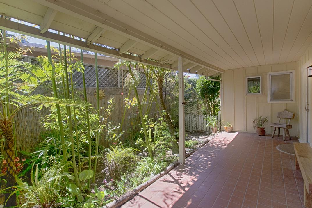 Detail Gallery Image 1 of 1 For 422 Clubhouse Dr, Aptos, CA 95003 - 3 Beds | 2 Baths
