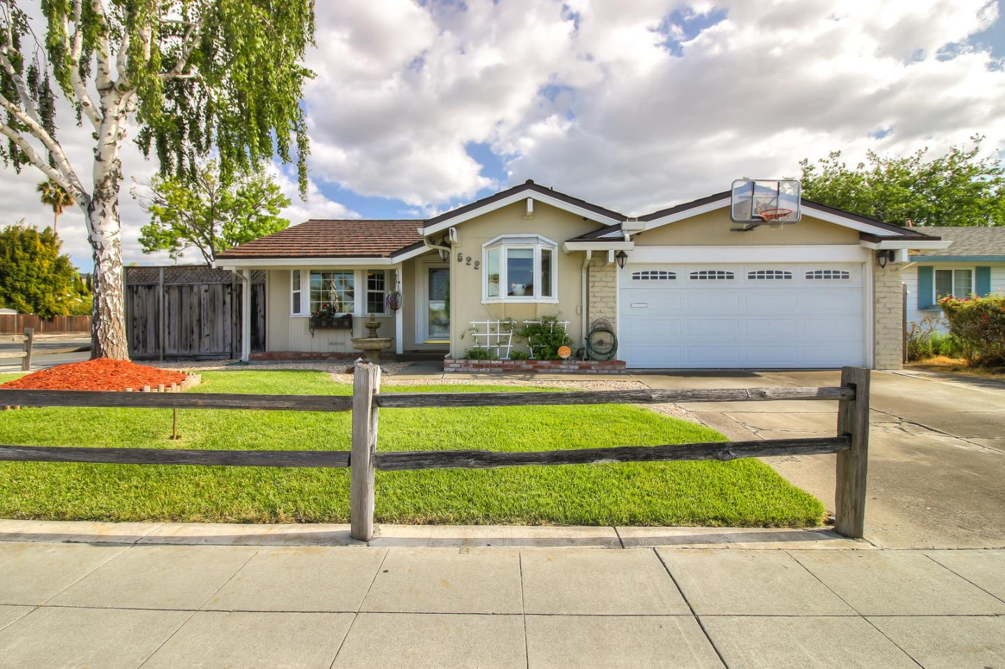 Detail Gallery Image 1 of 1 For 522 Tuscarora Dr, San Jose,  CA 95123 - 3 Beds | 2 Baths