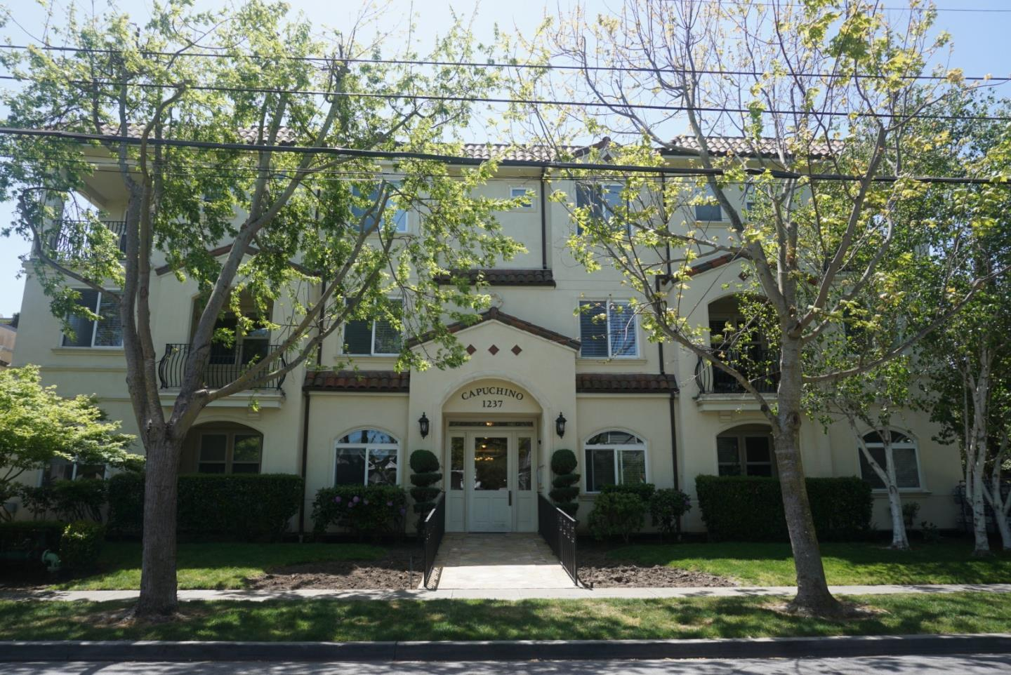 1237 Capuchino AVE 3, Burlingame, California