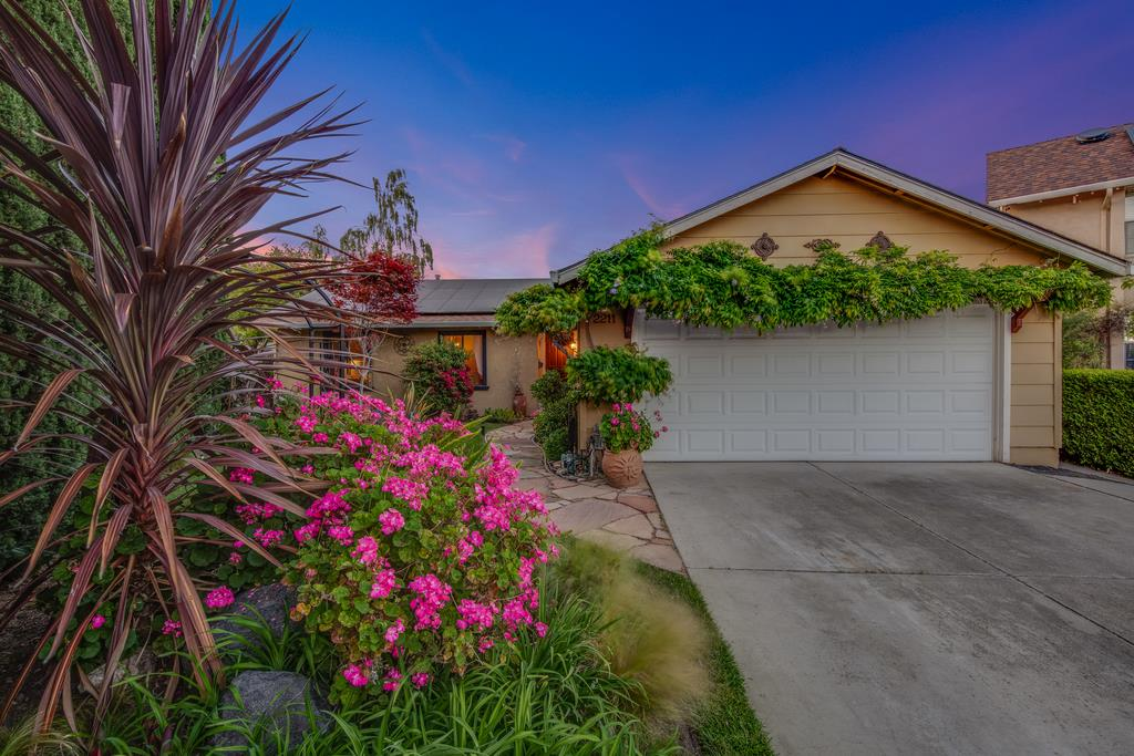 Detail Gallery Image 1 of 1 For 2211 Ladymuir Ct, San Jose, CA 95131 - 3 Beds | 2 Baths