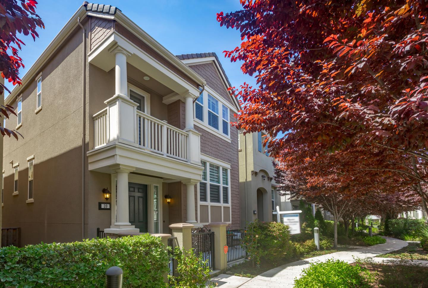 Detail Gallery Image 1 of 25 For 39 Conner Pl, Santa Clara, CA, 95050 - 3 Beds | 2/1 Baths