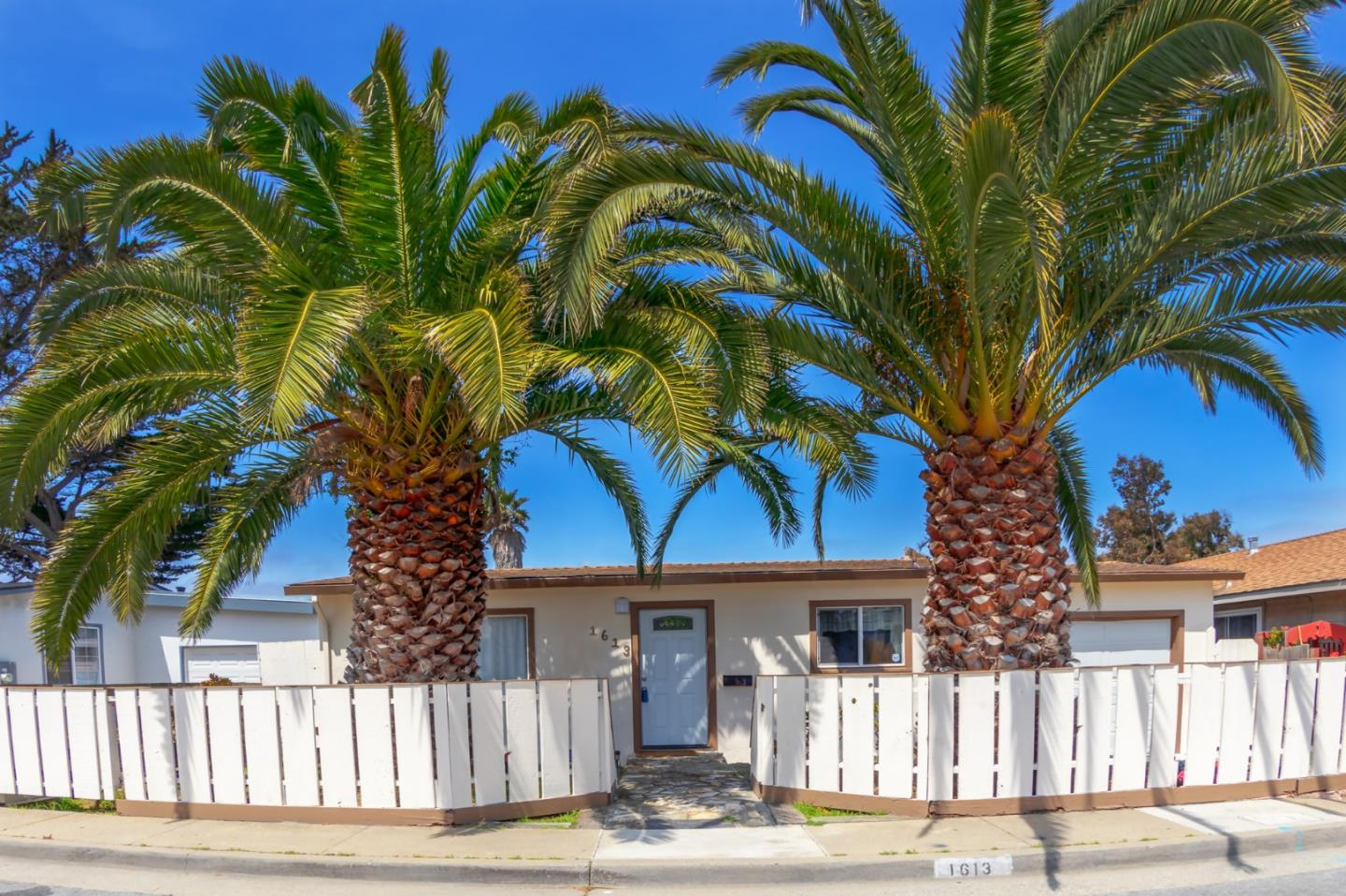 Detail Gallery Image 1 of 1 For 1613 Lowell St, Seaside, CA 93955 - 2 Beds | 1 Baths