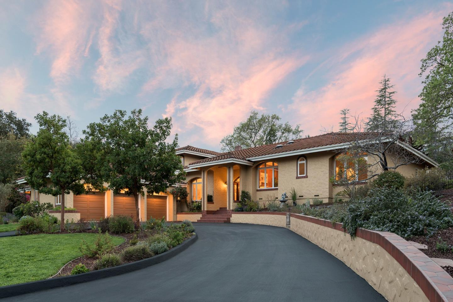 Detail Gallery Image 1 of 1 For 14801 Gypsy Hill Rd, Saratoga, CA, 95070 - 5 Beds | 4/1 Baths