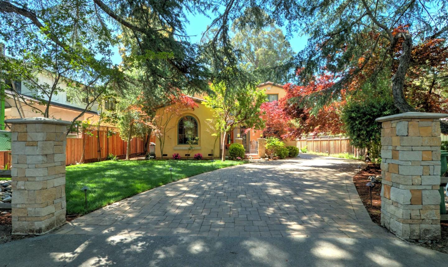 Detail Gallery Image 1 of 1 For 1524 Arbor Ave, Los Altos, CA, 94024 - 4 Beds | 3/1 Baths
