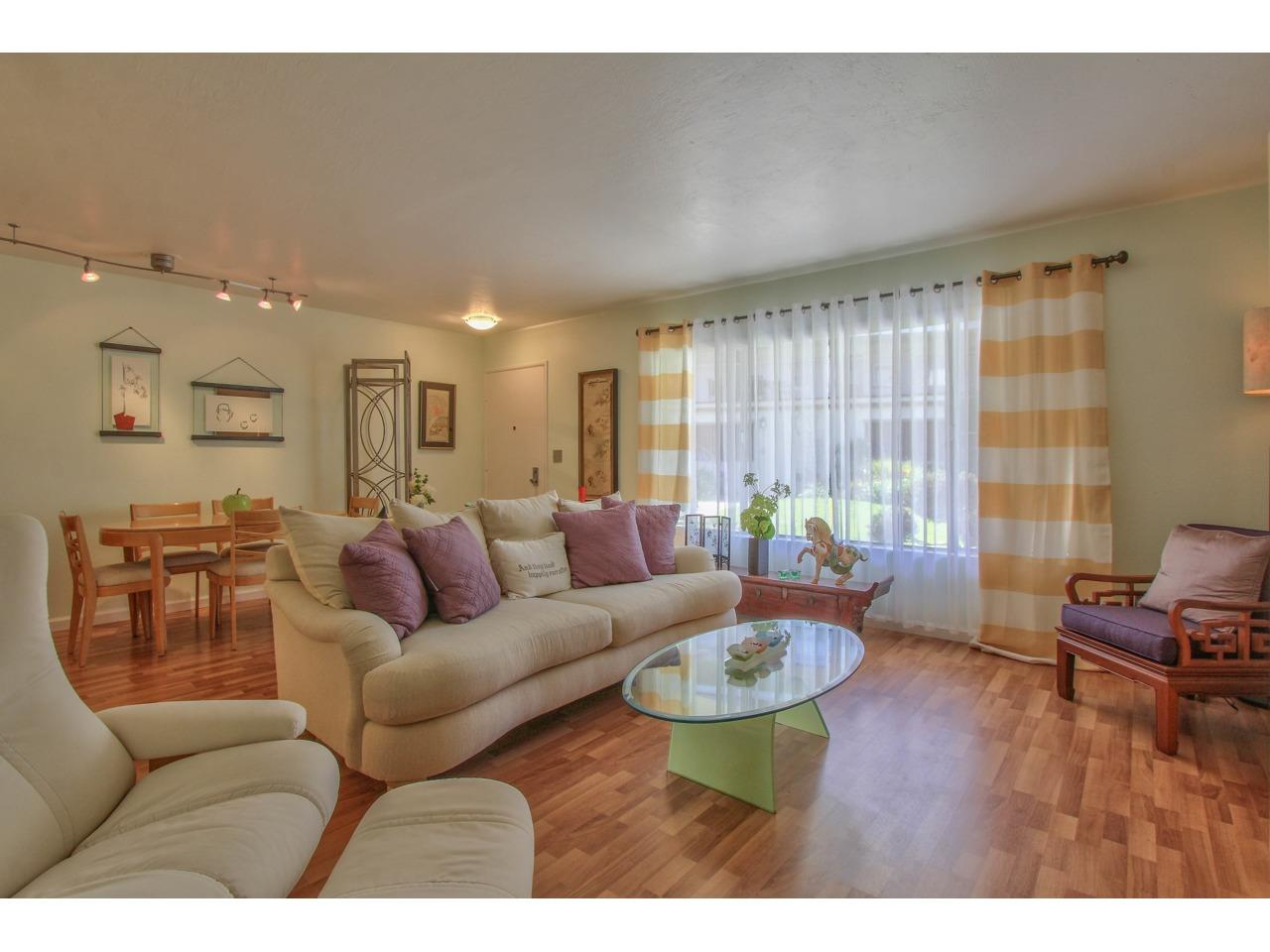 Detail Gallery Image 1 of 30 For 810 Lighthouse Ave #102, Pacific Grove, CA, 93950 - 1 Beds   1 Baths