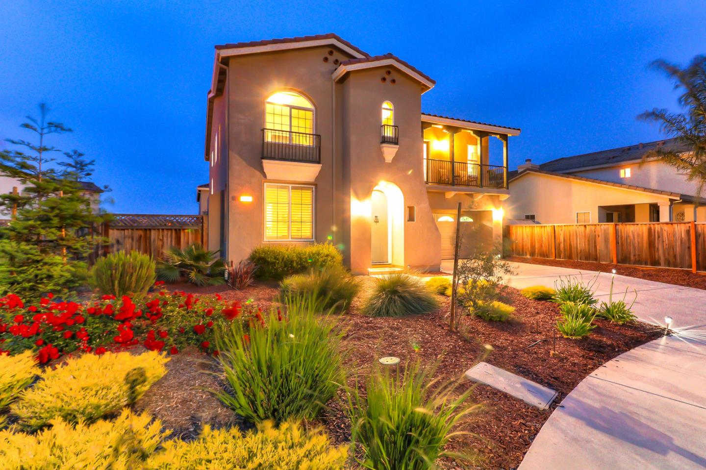 Detail Gallery Image 1 of 67 For 604 Calais Ct, Hollister, CA, 95023 - 5 Beds | 2/1 Baths