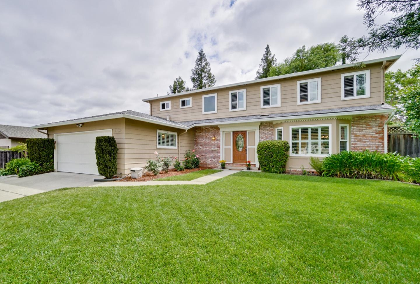 Detail Gallery Image 1 of 1 For 11116 Palos Verdes Dr, Cupertino, CA 95014 - 4 Beds   2/1 Baths