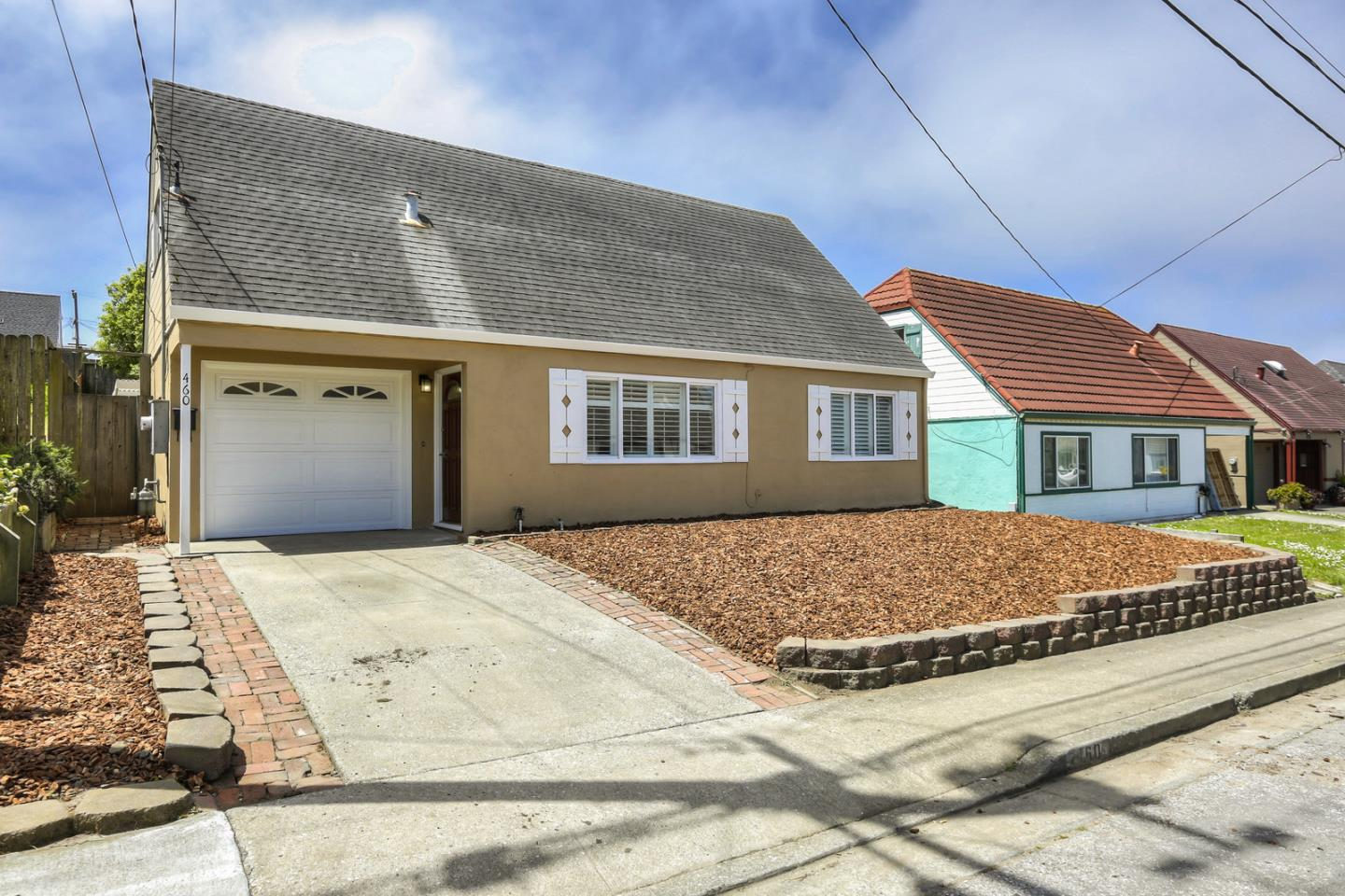 Detail Gallery Image 1 of 1 For 460 Glasgow Dr, Pacifica,  CA 94044 - 3 Beds | 2 Baths