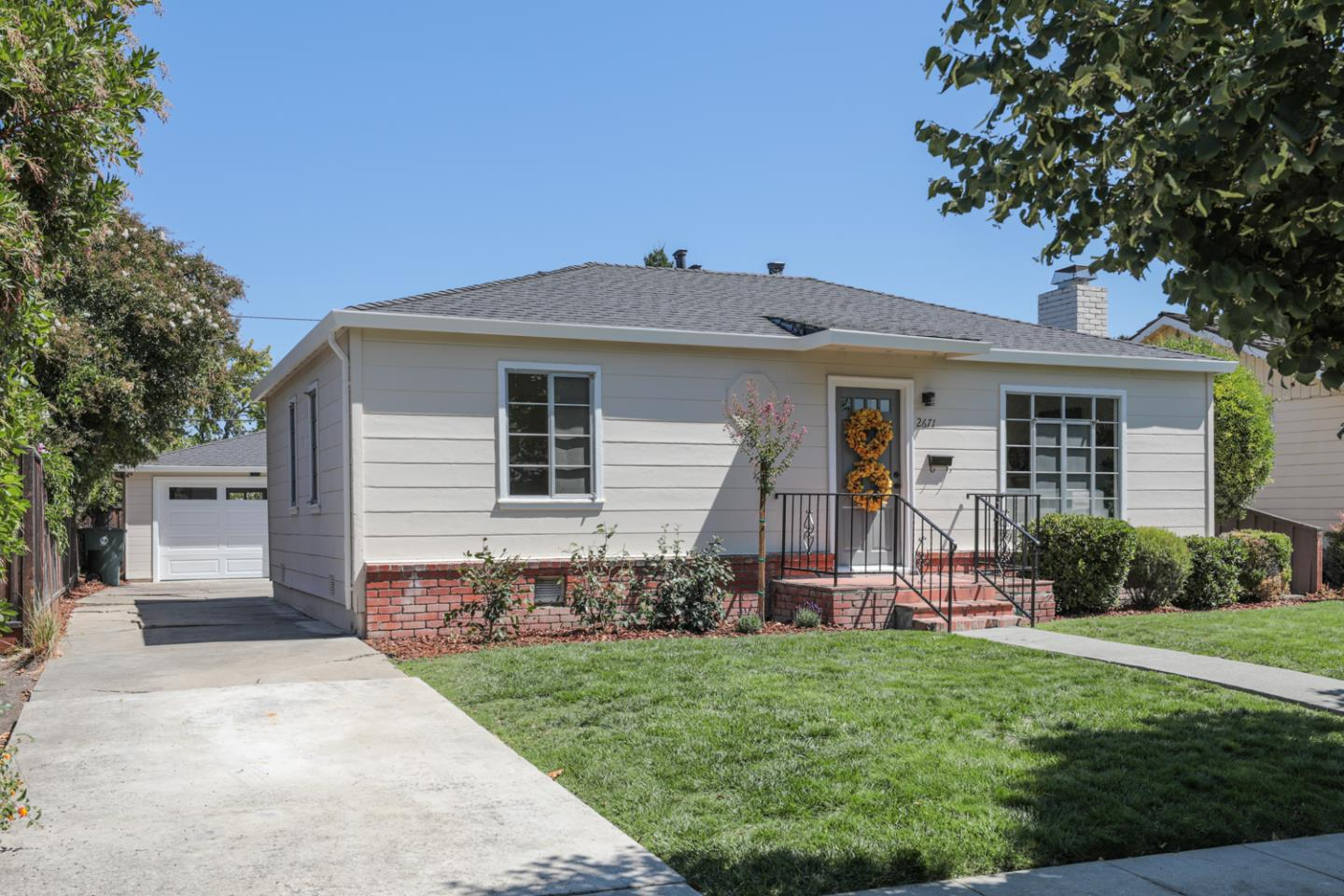 Detail Gallery Image 1 of 1 For 2671 Bryant St, Palo Alto,  CA 94306 - 2 Beds | 1 Baths